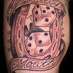 Фото тату игральные кости №68 - интересный вариант рисунка, который хорошо можно использовать для переделки и нанесения как тату игральные кости и клевер