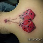 Фото тату игральные кости №28 - достойный вариант рисунка, который успешно можно использовать для доработки и нанесения как тату игральные кости и карты