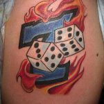 Фото тату игральные кости №618 - классный вариант рисунка, который хорошо можно использовать для переработки и нанесения как тату игральные кости на запястье