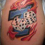 Фото тату игральные кости №587 - интересный вариант рисунка, который удачно можно использовать для переделки и нанесения как тату игральные кости и карты