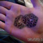 Фото тату игральные кости №168 - эксклюзивный вариант рисунка, который успешно можно использовать для доработки и нанесения как тату игральные кости и клевер