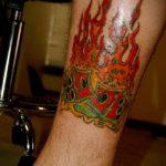Фото тату игральные кости №350 - интересный вариант рисунка, который удачно можно использовать для переработки и нанесения как тату игральные кости и карты