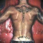 тату на спине №379 - уникальный вариант рисунка, который успешно можно использовать для доработки и нанесения как тату на спине женское
