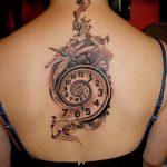 тату на спине №161 - интересный вариант рисунка, который хорошо можно использовать для переделки и нанесения как тату на спине женское