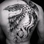 тату на спине №743 - достойный вариант рисунка, который удачно можно использовать для переделки и нанесения как тату на спине женское