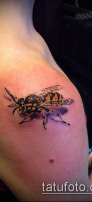 Фото тату оса насекомое – мехенди – 12062017 – пример – 006 Tatu wasp insect
