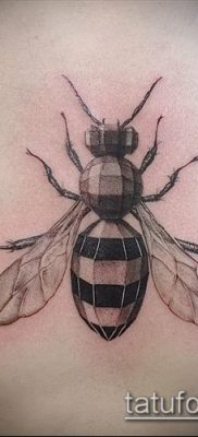 Фото тату оса насекомое – мехенди – 12062017 – пример – 021 Tatu wasp insect