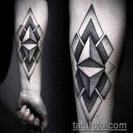 черное тату №147 - классный вариант рисунка, который успешно можно использовать для переработки и нанесения как черное тату для перекрытия