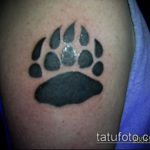 черное тату №798 - прикольный вариант рисунка, который удачно можно использовать для переделки и нанесения как черное тату на руке мужские