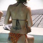 тату бикини №139 - классный вариант рисунка, который успешно можно использовать для преобразования и нанесения как тату бикини глубокое