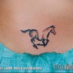 тату бикини №800 - классный вариант рисунка, который легко можно использовать для преобразования и нанесения как tattoo bikini