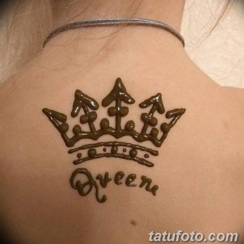 Тату хной на запястье корона