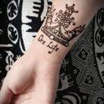 фото Мехенди рисунок корона от 02.08.2017 №020 - Mehendi drawing crown_tatufoto.com