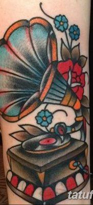 фото тату в стиле олд скул от 21.08.2017 №075 – Old school tattoo – tatufoto.com