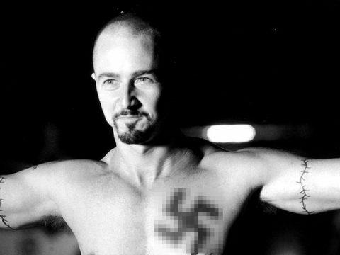 мужчина получил штраф в 1000 рублей за нацистскую татуировку на руке - фото - Ульяновск