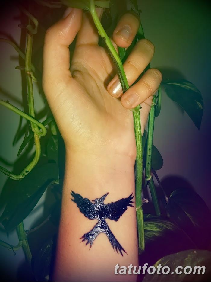 фото тату Сойка пересмешница от 25.09.2017 №032 - Tattoo Hunger Games - tatufoto.com