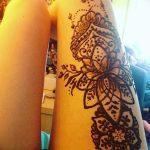 фото Мехенди на ляжке от 25.10.2017 №039 - Mehendi on thigh - tatufoto.com