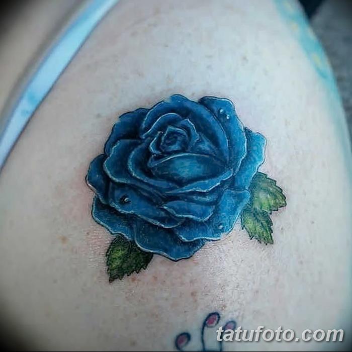 Тату синих цветов фото