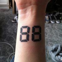 Значение тату «88»