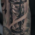 фото тату песочные часы от 21.10.2017 №031 - tattoo hourglass - tatufoto.com