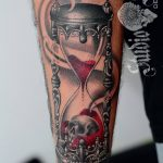 фото тату песочные часы от 21.10.2017 №053 - tattoo hourglass - tatufoto.com