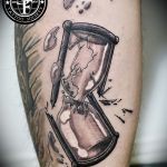фото тату песочные часы от 21.10.2017 №079 - tattoo hourglass - tatufoto.com