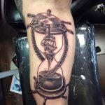 фото тату песочные часы от 21.10.2017 №111 - tattoo hourglass - tatufoto.com
