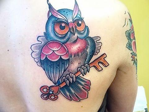 фото тату сова с ключом от 18.10.2017 №023 - owl tattoo with key - tatufoto.com