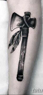 фото тату томагавк от 21.10.2017 №015 – tomahawk tattoo – tatufoto.com