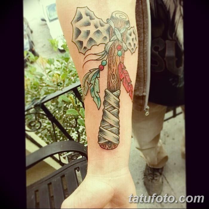 фото тату томагавк от 21.10.2017 №045 - tomahawk tattoo - tatufoto.com