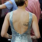 фото Тату Скарлетт Йохансон от 10.11.2017 №005 - Scarlett Johansson Tatto - tatufoto.com