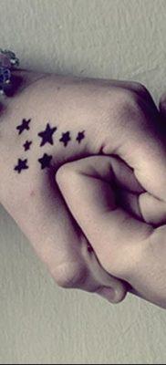 фото тату звездочки на руке от 21.12.2017 №026 – tattoo stars on hand – tatufoto.com