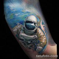 Значение тату «космонавт»