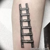 Значение тату лестница