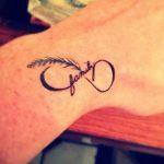 фото Маленькие тату для девушек от 26.01.2018 №116 - Little tattoos for girls - tatufoto.com