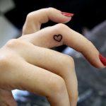 фото Маленькие тату для девушек от 26.01.2018 №165 - Little tattoos for girls - tatufoto.com