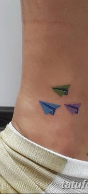 фото тату Бумажный самолетик от 23.01.2018 №044 – tattoo Paper airplane – tatufoto.com