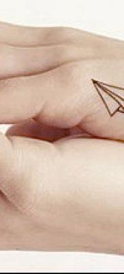 фото тату Бумажный самолетик от 23.01.2018 №081 – tattoo Paper airplane – tatufoto.com