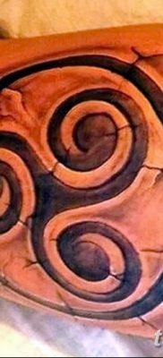 фото тату трискели от 09.01.2018 №007 – triskelion tattoo – tatufoto.com