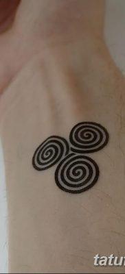 фото тату трискели от 09.01.2018 №043 – triskelion tattoo – tatufoto.com