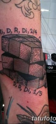 фото тату Кубик Рубика от 24.02.2018 №024 – tattoo Rubik's Cube – tatufoto.com