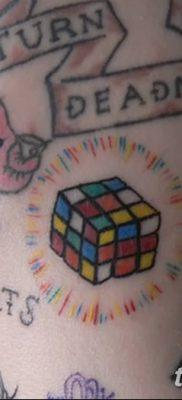 фото тату Кубик Рубика от 24.02.2018 №048 – tattoo Rubik's Cube – tatufoto.com