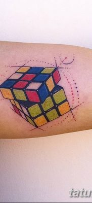 фото тату Кубик Рубика от 24.02.2018 №063 – tattoo Rubik's Cube – tatufoto.com