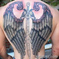 Значение тату меча с крыльями