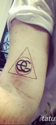фото тату треугольник и круг от 21.04.2018 №095 – triangle and circle tattoo – tatufoto.com