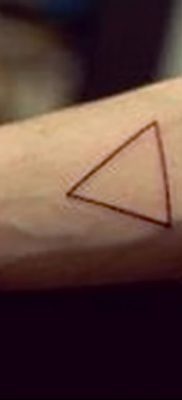 фото тату треугольник с линией от 16.04.2018 №015 – triangle tattoo with line – tatufoto.com