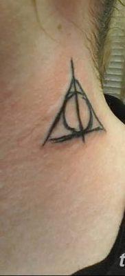 фото тату треугольник с линией от 16.04.2018 №030 – triangle tattoo with line – tatufoto.com
