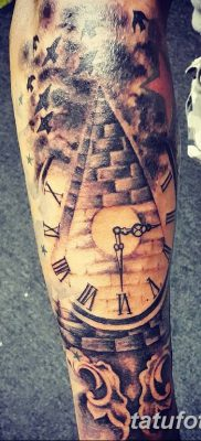 фото тату часы и пирамида от 08.05.2018 №006 – tattoo clock and pyramid – tatufoto.com
