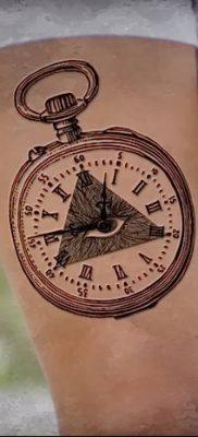 фото тату часы и пирамида от 08.05.2018 №009 – tattoo clock and pyramid – tatufoto.com