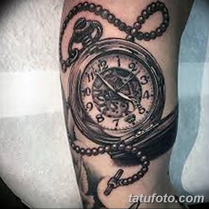 Часы — по-настоящему философская татуировка, которую делают достаточно редко.